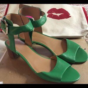Nine West green heel sandals size 8 M